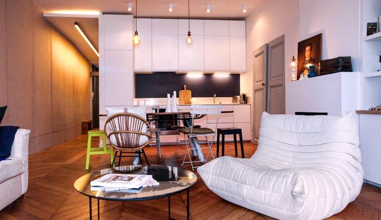 Transformer un grand studio en appartement lumineux de 2 pièces et 55m2